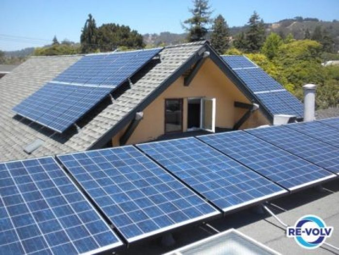 Solar crowdfunding campaigns in Ohio, Pennsylvania, Wisconsin and South Carolina by college students receive Matching Funds from LDF. SAN FRANCISCO – College students in South Carolina and Pennsylvania are launching solar crowdfunding campaigns today with the support of the Solar Ambassador program, a training course created by RE-volv, a San Francisco-based nonprofit. The campaigns will bring the benefits of solar energy to two local nonprofits that support underserved populations in the community. The Leonardo DiCaprio Foundation, as part of its 2017 grant to RE-volv, will give matching funds for a limited time, allowing donors the opportunity to double their contributions.