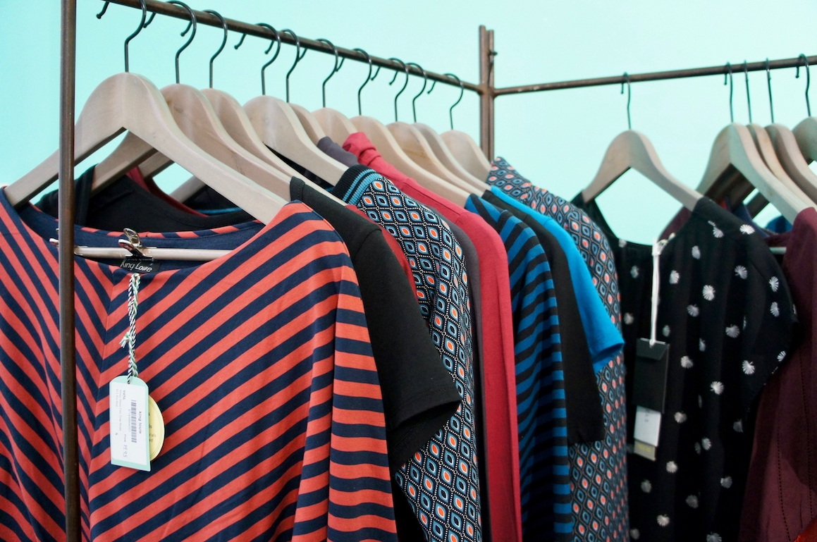 Les Curieux in Lyon carries French and international fair fashion labels
