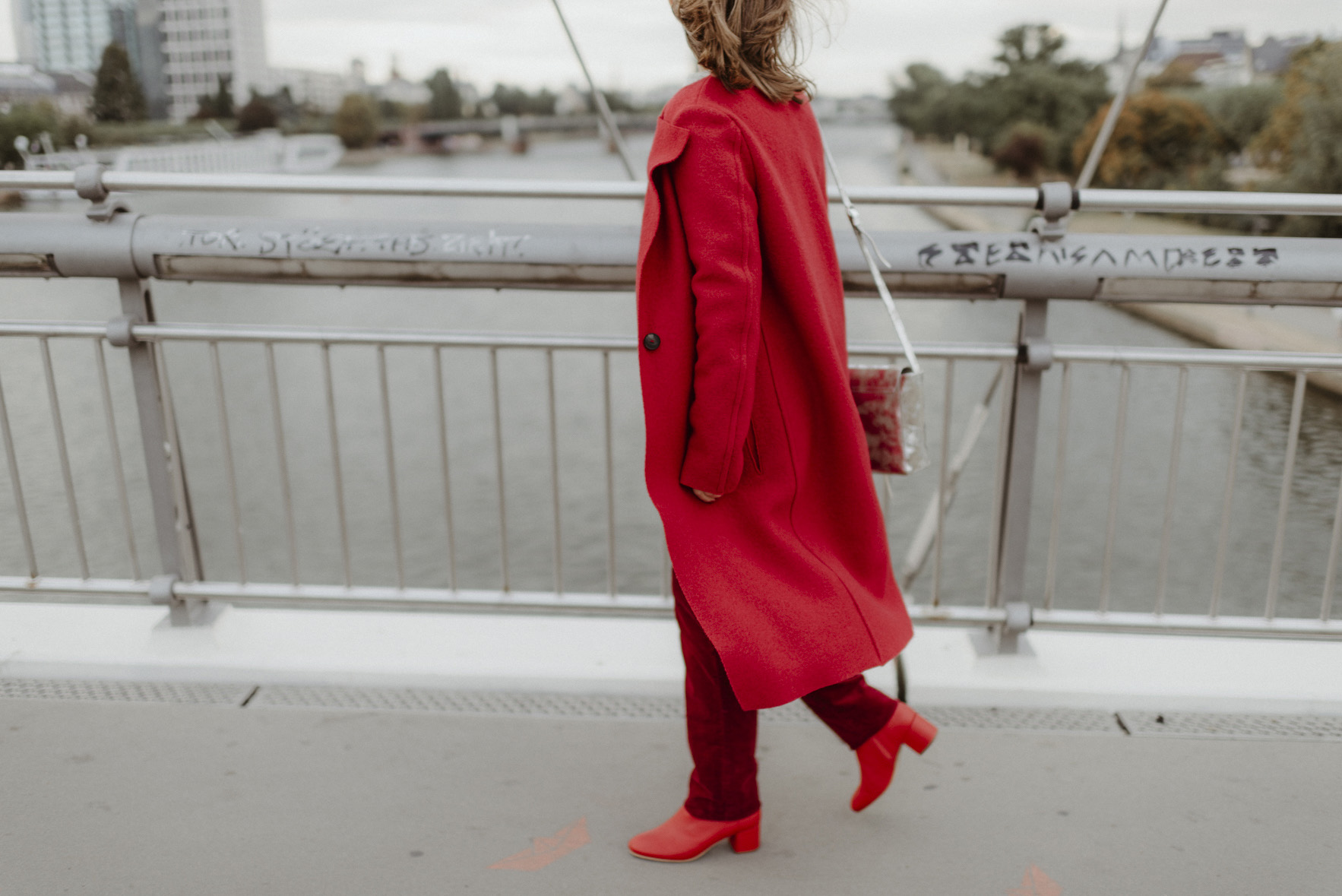 greenlooksgreat-lanius-ethical-fashion-red-coat