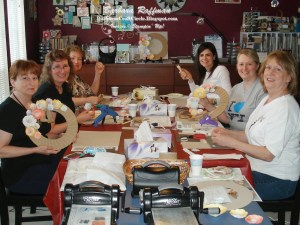 Burlap and Blooms Wreath Class – Fun with Friends!
