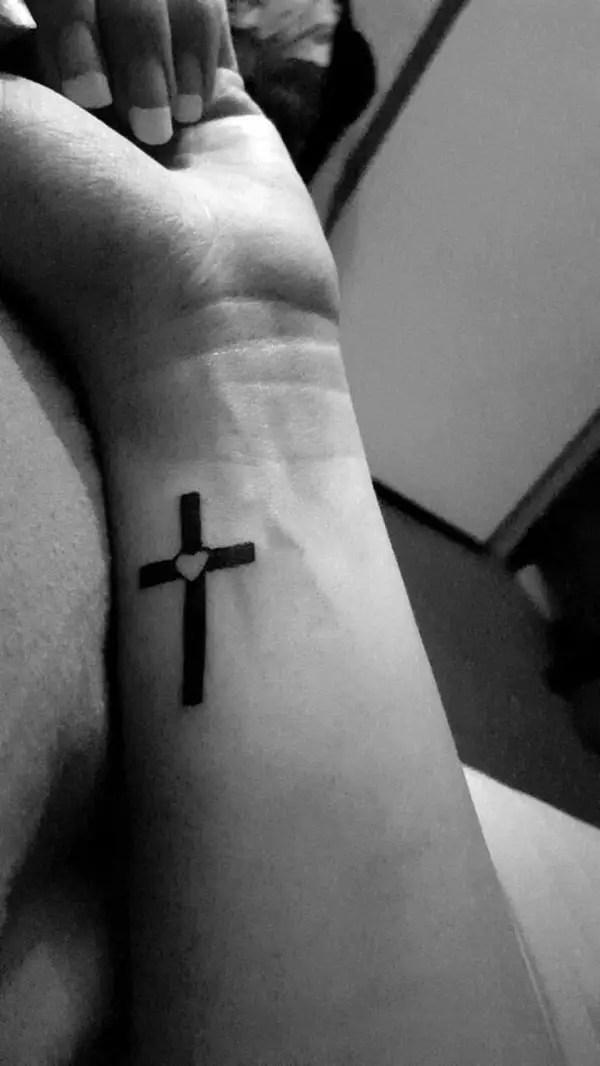 Small Cross Tattoos For Women : small, cross, tattoos, women, Minimalist, Cross, Tattoos, Women, Greenorc