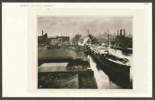 the coal yard at Greenpoint's Ash Street in 1929. Photo: NY Public Library Historical Archives