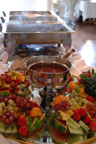 Food table09-27-03