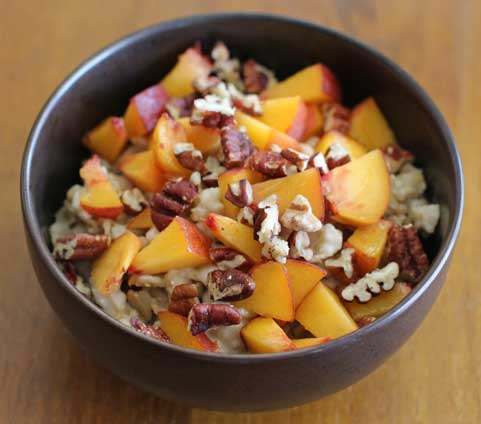 Vegan Oatmeal with Peaches & Pecans