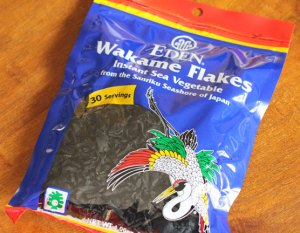 wakame seaweed flakes for miso soup