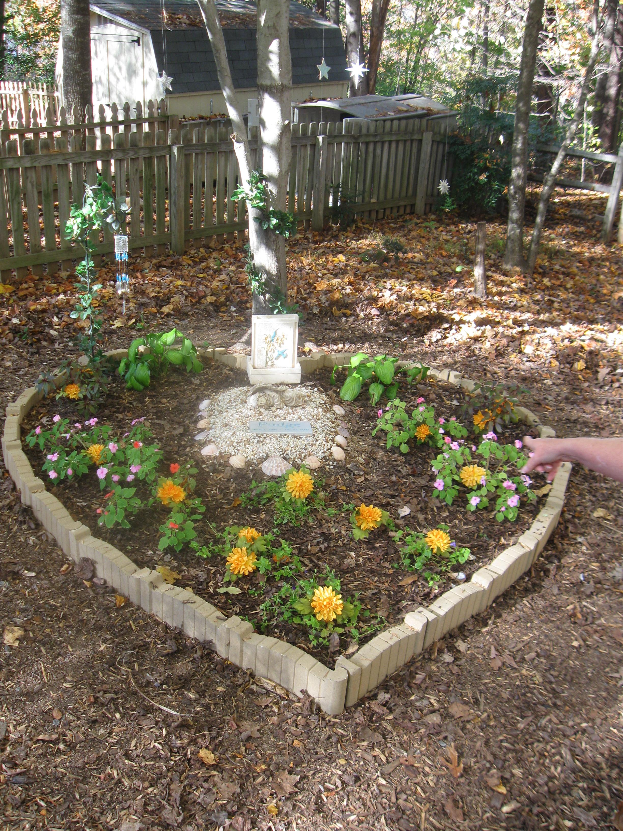 Merveilleux Pet Memorial Garden Ideas