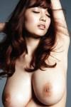 Anzai-Rara-Shio-Utsunomiya-desnuda- posando-9
