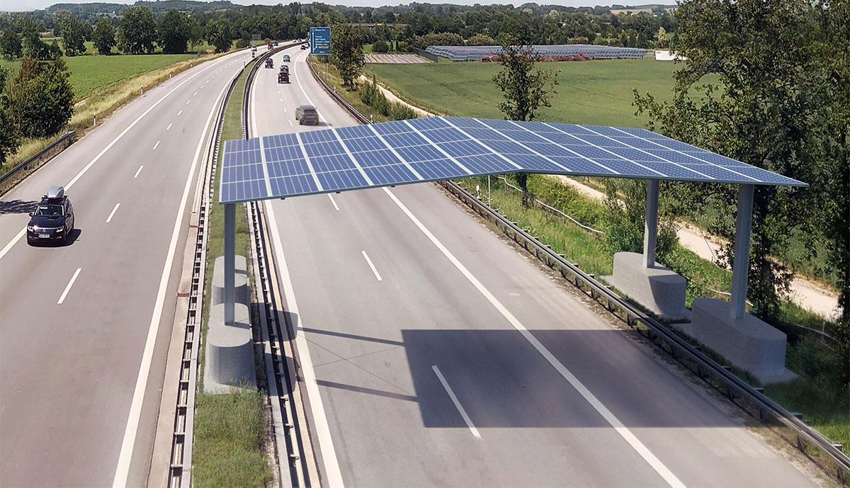 Mit Solardach überbaute Autobahn