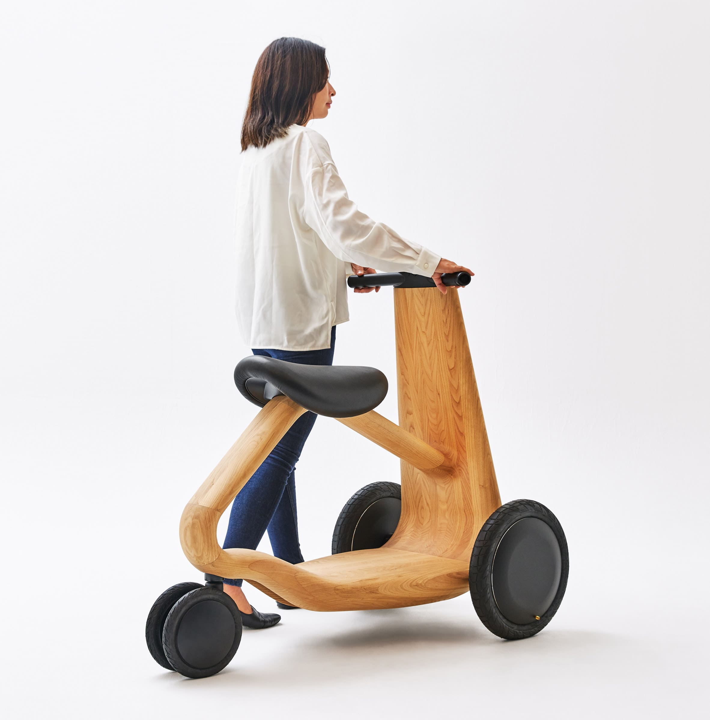 ily-ai-wooden-scooter-design_dezeen_2364_col_4
