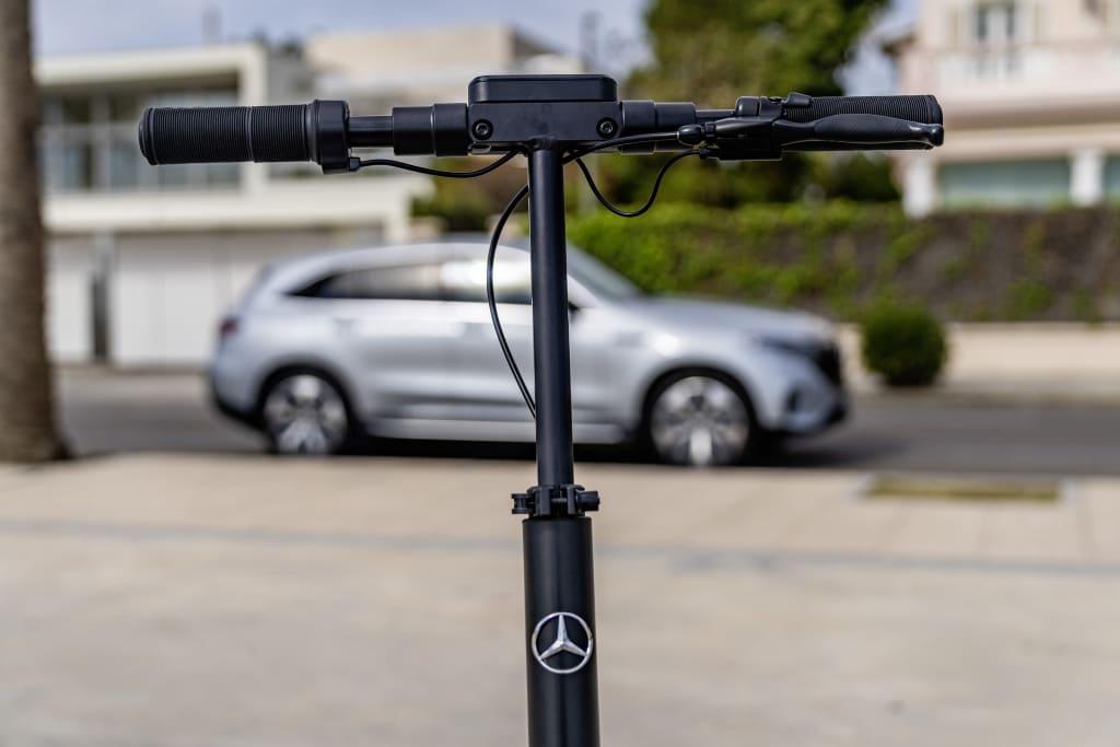 Электросамокат Mercedes-Benz 1