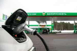 """Белорусская Malanka предупреждает владельцев китайских электромобилей о трудностях """"стыковки"""" на зарядных станциях"""