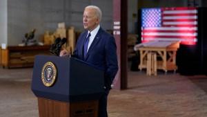 Президент США Джо Байден подписывает приговор бензиновым и дизельным автомобилям