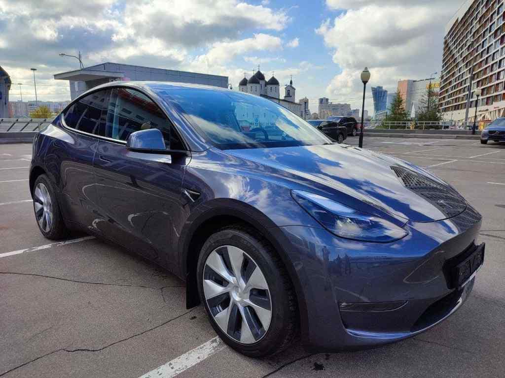 Tesla Model Y in Moscow