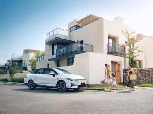 XPeng P5. На рынке появился электромобиль за 25000 долларов, и это не Tesla