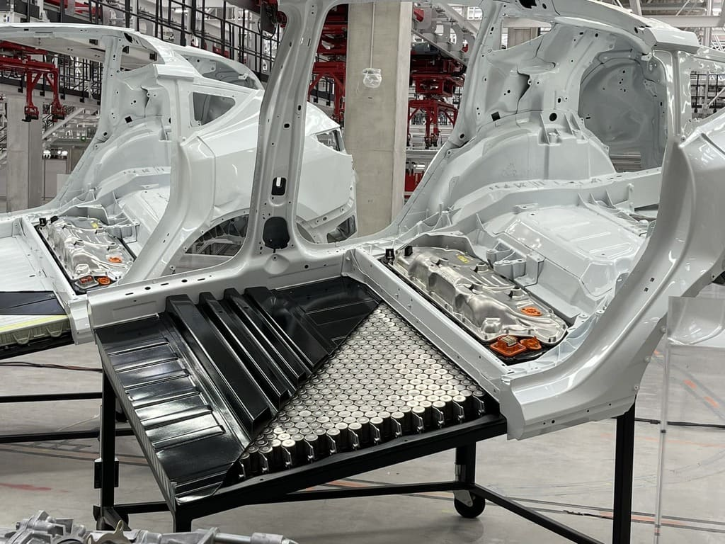 новая структурная батарея Tesla с элементами 4680