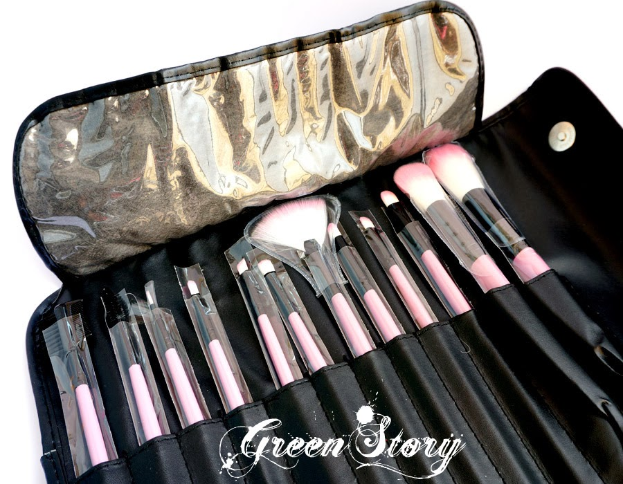 BH Cosmetics pink brush set