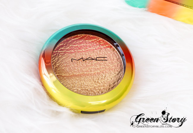 MAC Wash n Dry Highlight Powder