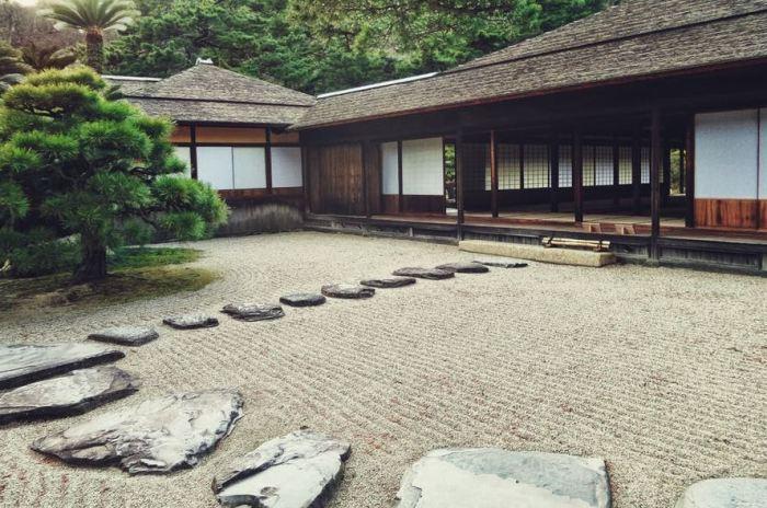 Relaxing Japanese Style Garden