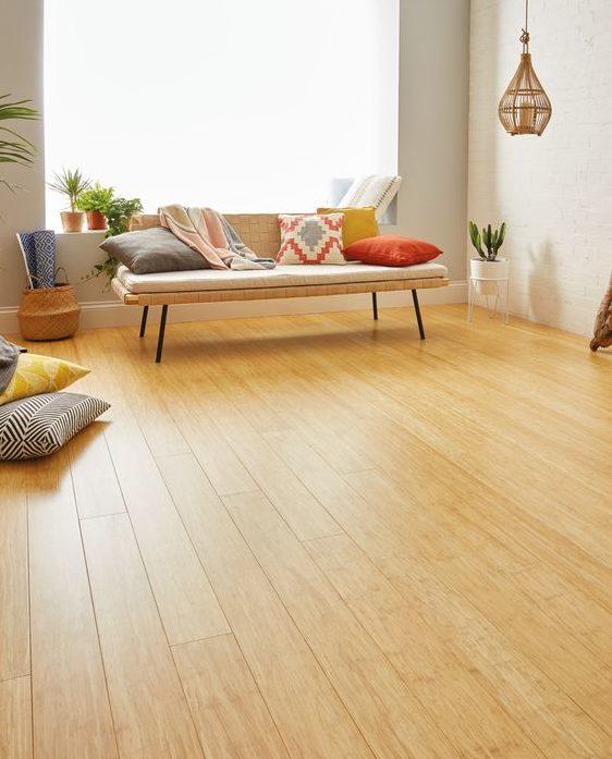 Interiores piso de bambu