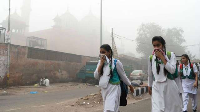 Delhi air pollution Live Updates: 'Emergency-like situation': says Supreme Court, notice to Centre