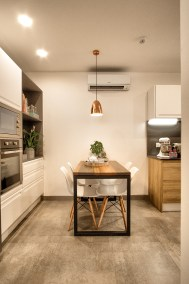 Kitchen Table | Green Views