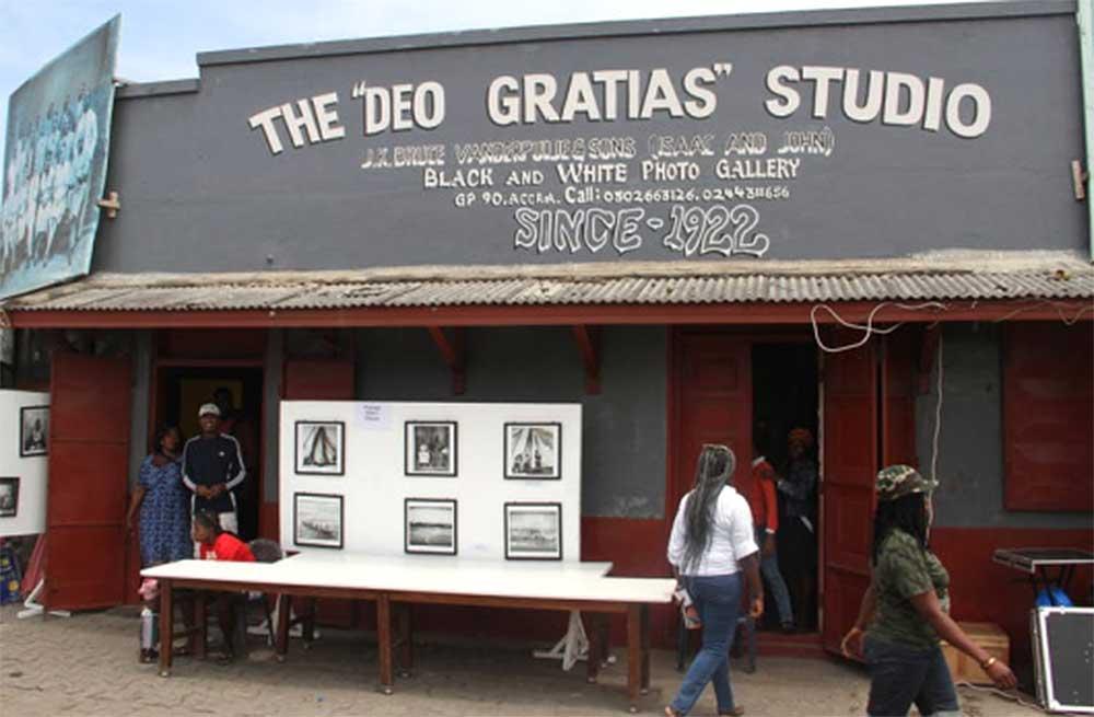 Deo Gratias Photo Studio