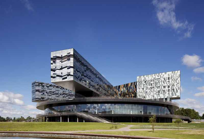 The Moscow School of Management SKOLKOVO