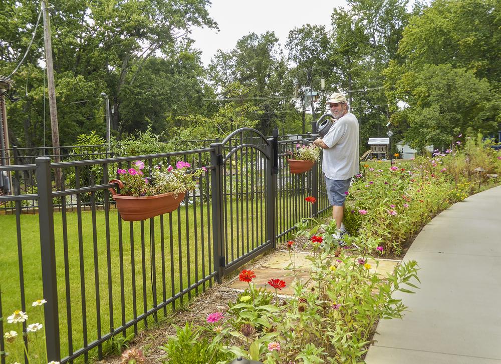 garden-w-Bill