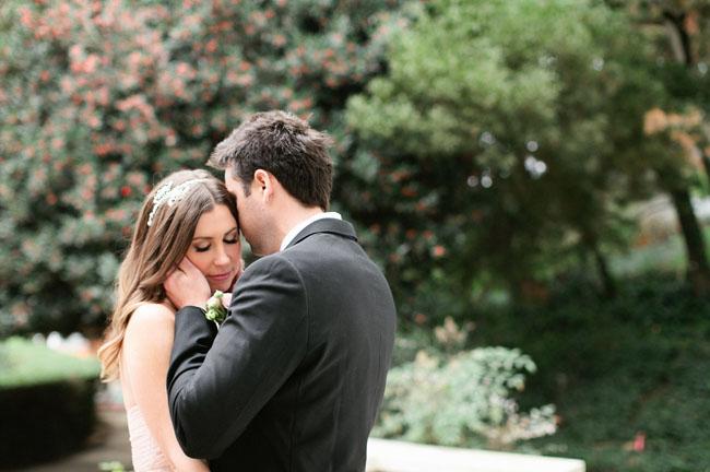 https://i0.wp.com/greenweddingshoes.com/wp-content/uploads/2012/02/valentine-elopement-13.jpg