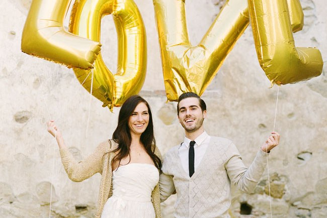 gold love balloons