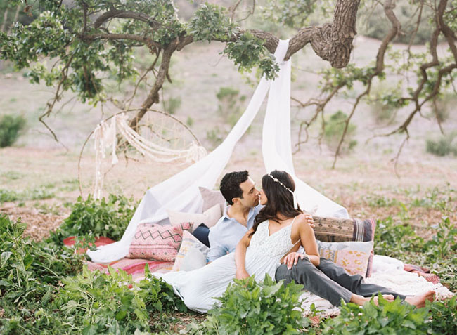 Whimsical  Romantic Engagement Session Laura  Rob