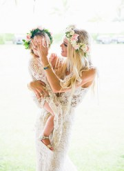 bohemian 70s-inspired kauai wedding