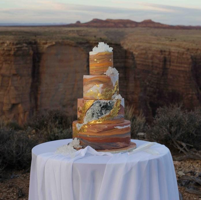 geode canyon cake