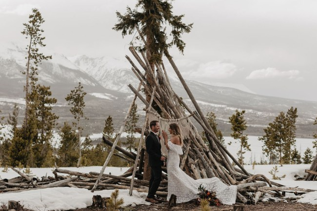 Snowy Colorado Elopement