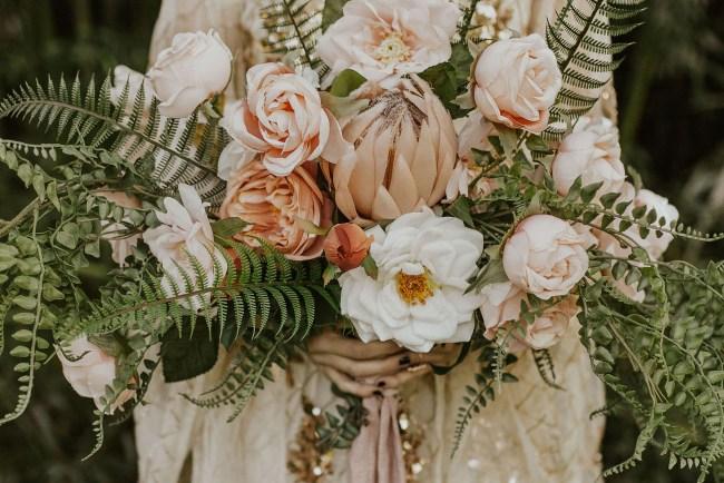 boho rose bouquet