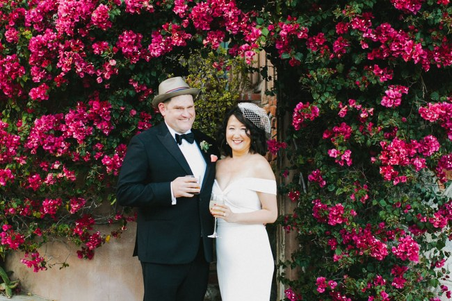 e005faea55 This Old Hollywood Palm Springs Wedding is a Foodie Delight