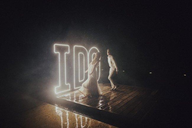 wedding dancing in the rain