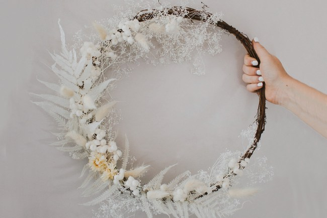 DIY Winter Wreath with Dried Florals