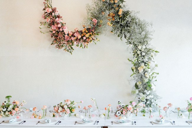 DIY Foam-Free Floral Installation