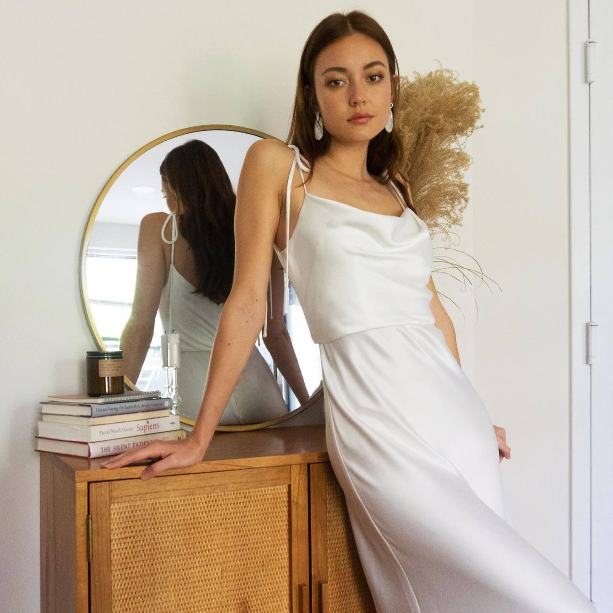 20 Best Short Wedding Dresses for 20 + 20 Brides