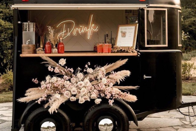 mobile bars for your outdoor wedding