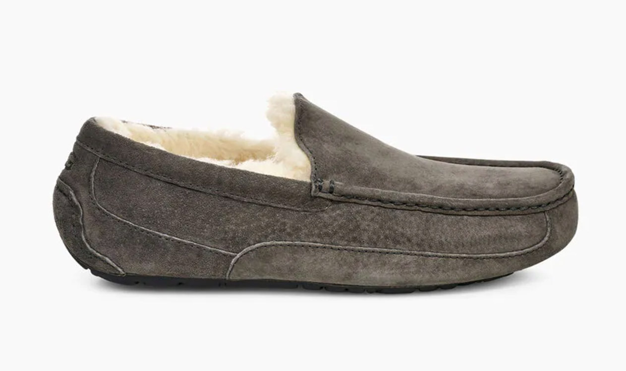slippers by ugg