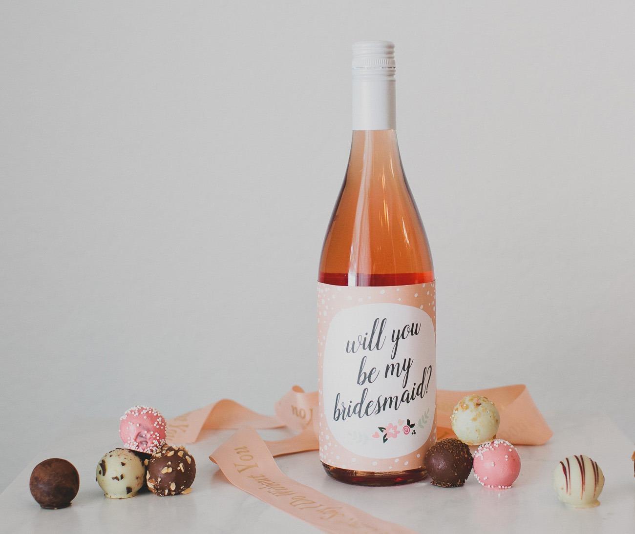 idée de cadeau de fête de mariage de vin de demoiselle d'honneur