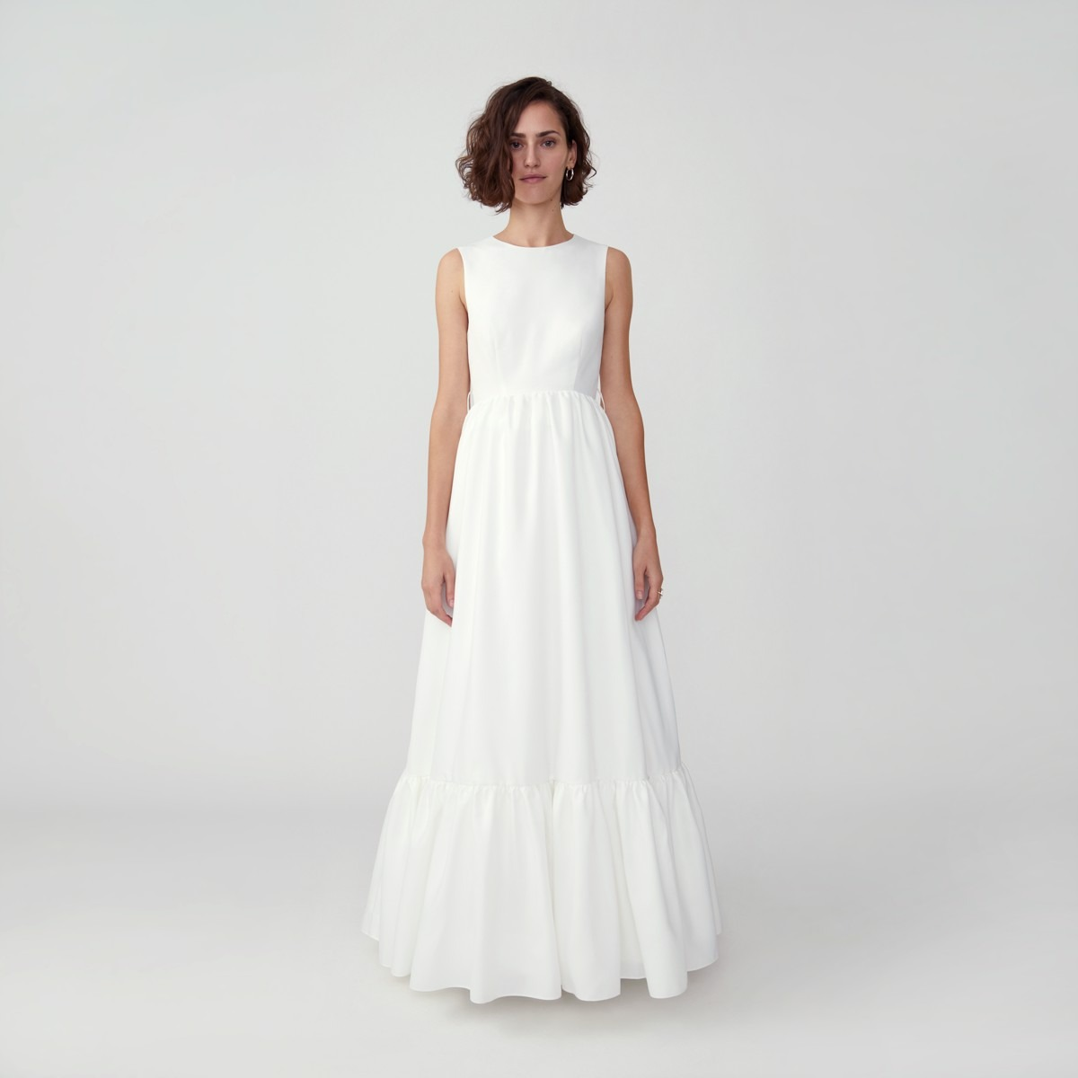 contemporary wedding dresses online from Fame and Partners