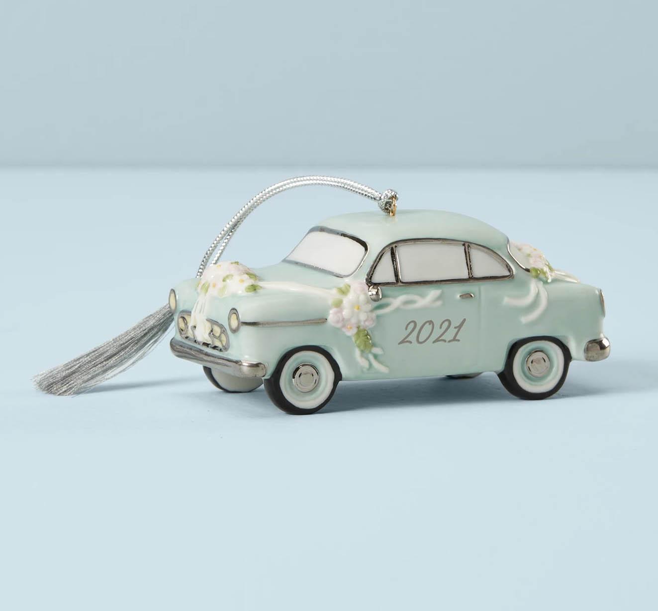 2021 car wedding ornament