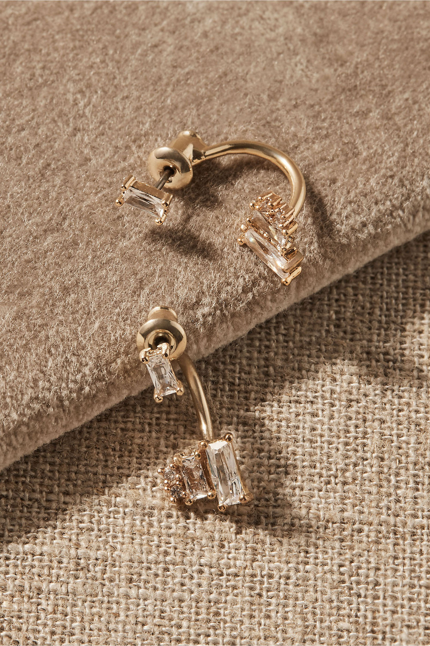 gold wedding earrings with baguette cut stones