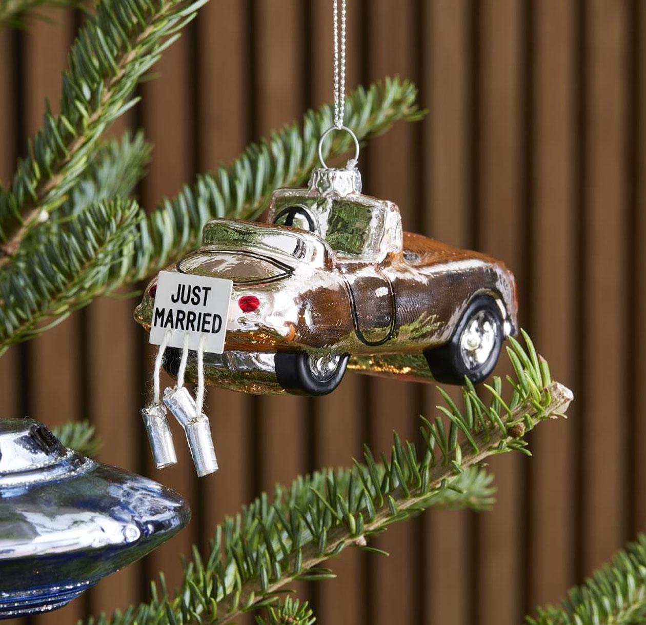 just married car wedding ornament