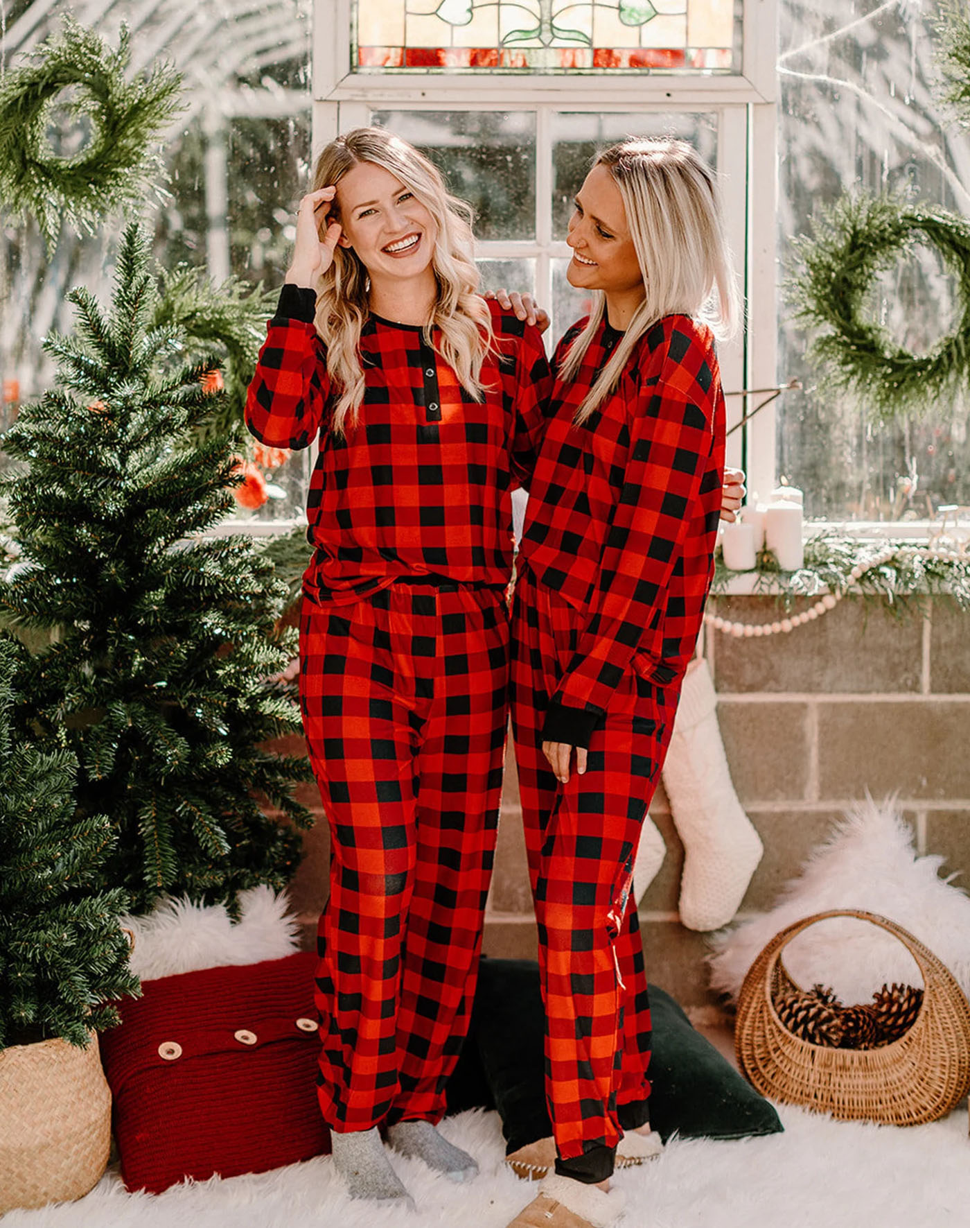 matching christmas pajamas couples red and black plaid