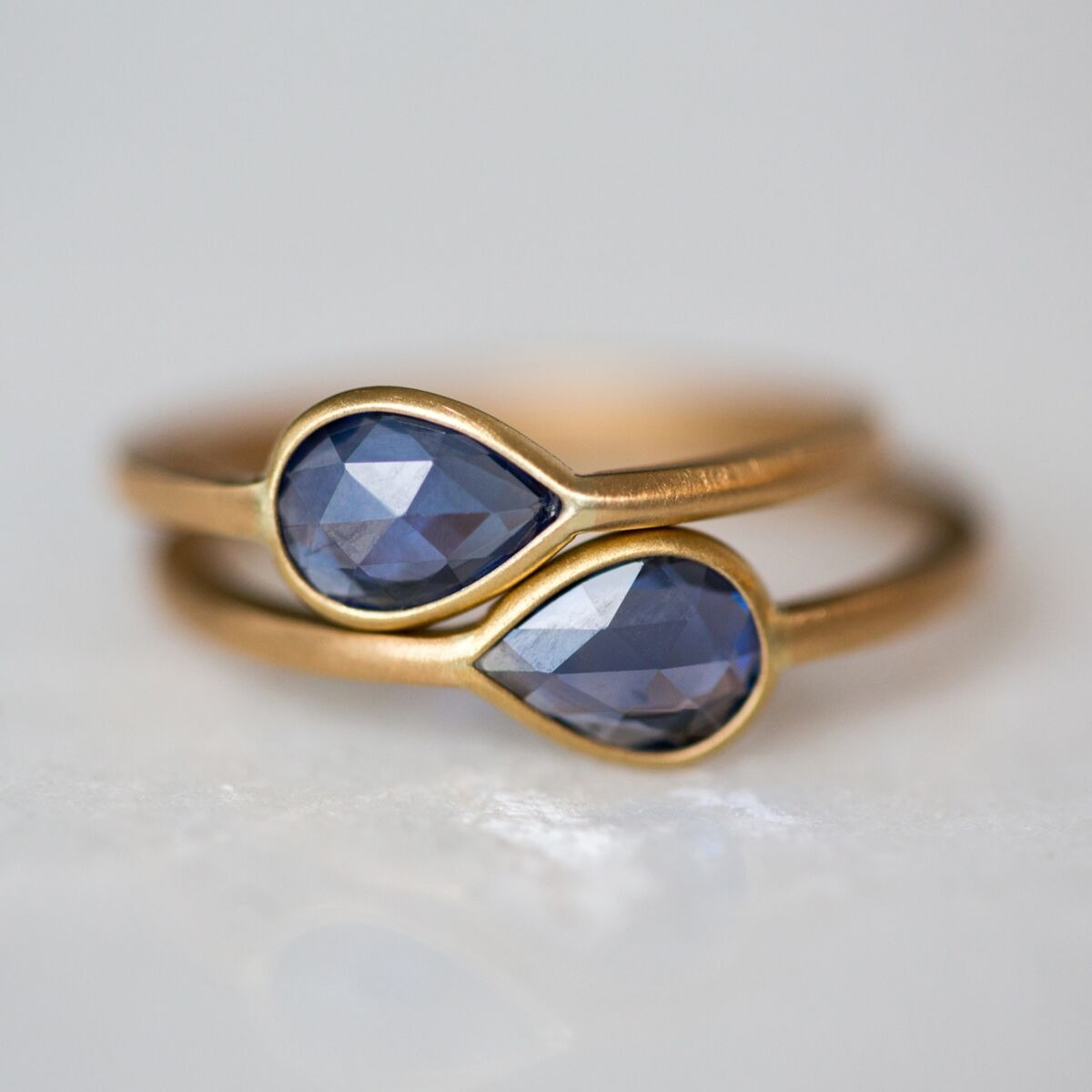 pear shaped blue solitaire sapphire engagement rings