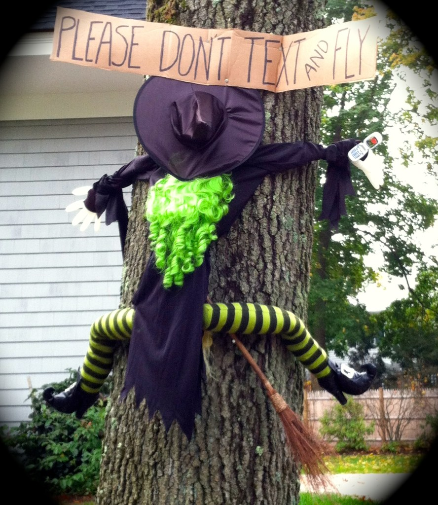 halloween-witch-dont-text-drive